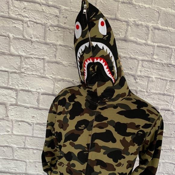 Bape 1st camo shark full zip hoodie! (Green)